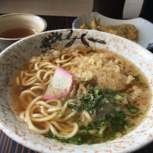 中華そばに和風だしがしみる美味しさ 竹内食堂